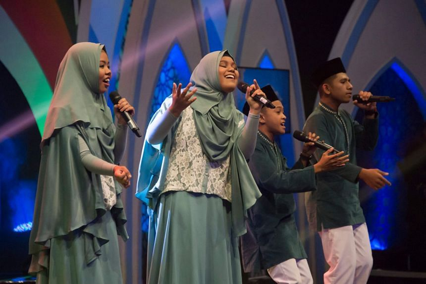 High school teens performing live on the television show Syiar Anak Negeri in Jakarta, on May 26, 2018.