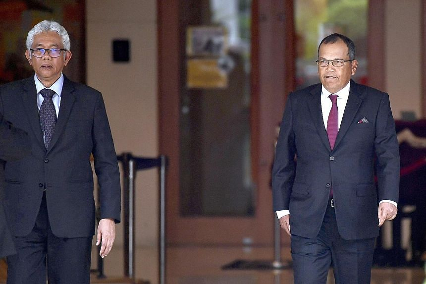 Chief Justice Raus Sharif (right) and Court of Appeal president Zulkefli Ahmad Makinudin had their terms extended last year despite exceeding the legal retirement age of 66 for their posts, sparking protests from Tun Dr Mahathir Mohamad and the legal