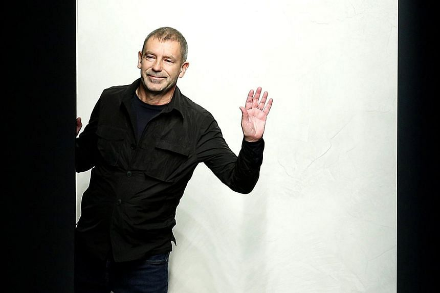 German designer Tomas Maier, who also designs under his own name, joined Bottega Veneta in 2001, and helped it gain better footing.