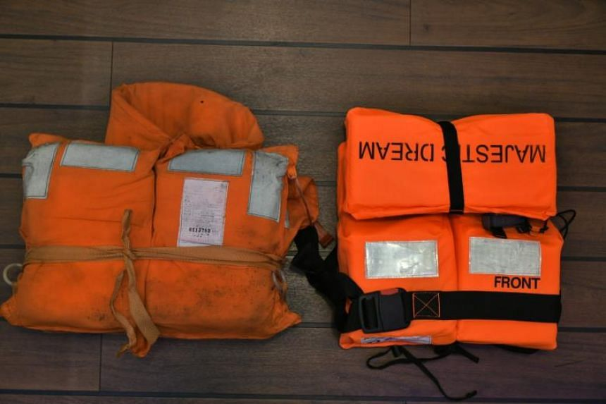 Buckle-type jackets are already implemented on ocean-going ferries.