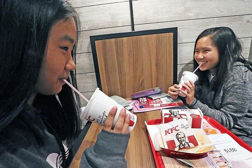 From tomorrow, KFC outlets will not provide plastic straws and will use plastic lids only for takeaway food.