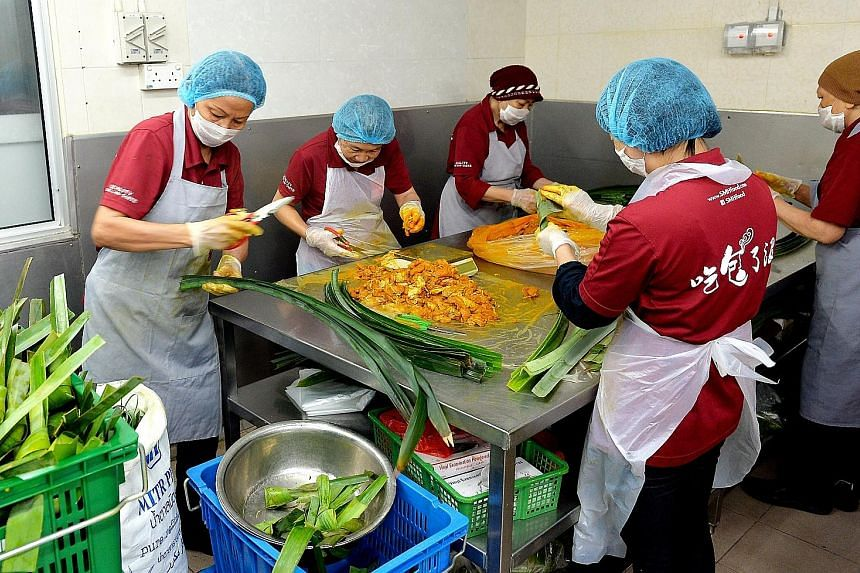 Food Producers Adapt For Slice Of Halal Market Singapore News Top