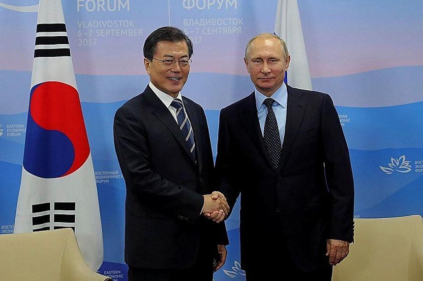 Russian President Vladimir Putin and South Korean President Moon Jae-in at the Eastern Economic Forum meeting in Vladivostok last September.