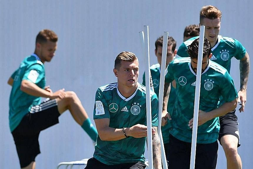 Only a victory will suffice for Germany midfielder Toni Kroos (front) and his team-mates.