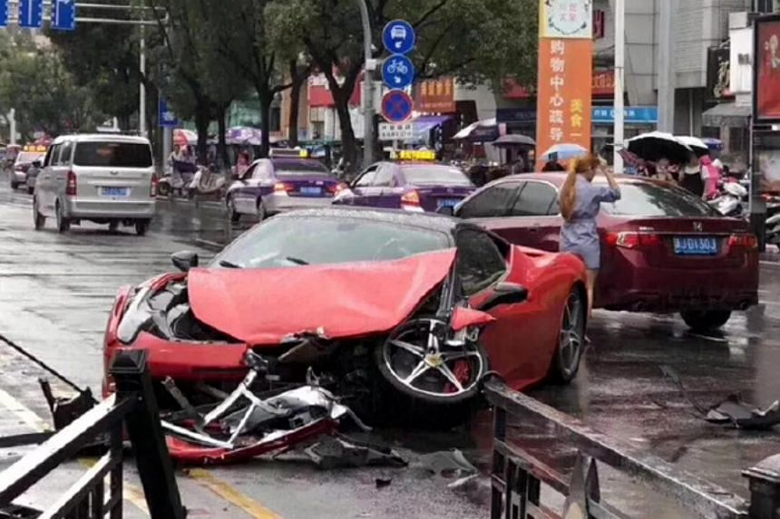 The Ferrari 458's front bonnet was severely damaged, and one of its front wheels became dislodged following the accident.