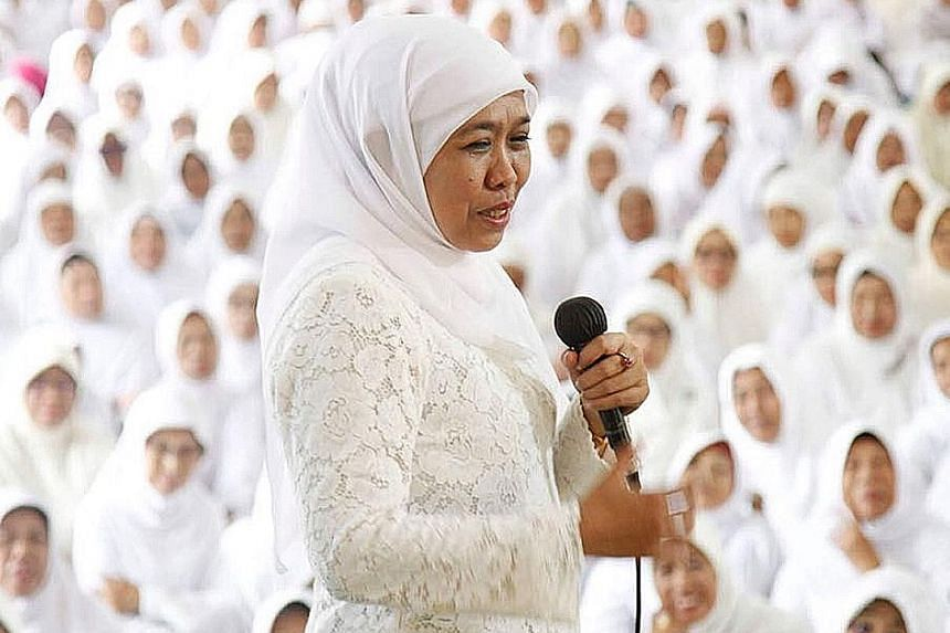 Former social affairs minister Khofifah Indar Parawansa is running for the post of East Java governor.