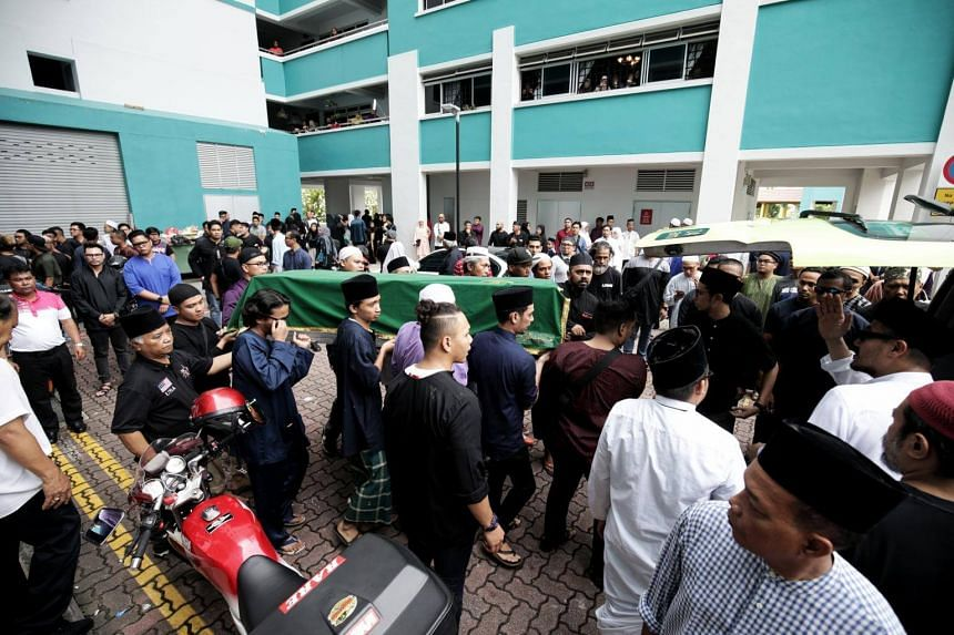 Around 200 family and friends gathered to send commercial diver Mohammad Firdaus Jasni off on Sunday (June 24) at Jurong West.
