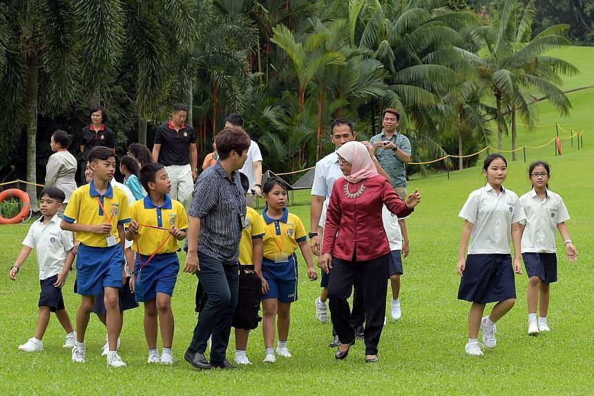 Pupils of Clementi Primary School, Pei Tong Primary School, Princess Elizabeth Primary School and Unity Primary School were given a rare chance to visit the Istana yesterday with a special host - President Halimah Yacob. The learning journey and picn