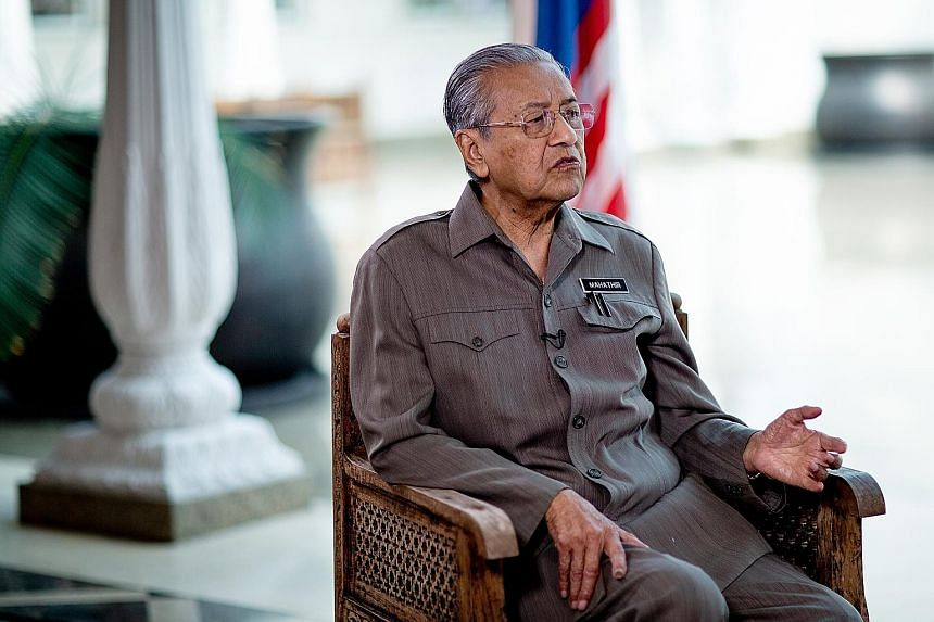 Singapore pays 3 sen per thousand gallons of raw water, and sells treated water back to Johor at 50 sen per thousand gallons. In his interview with Bloomberg published yesterday, Malaysian Prime Minister Mahathir Mohamad criticised the 1962 water sup