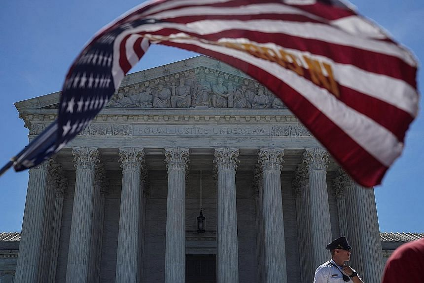 The US Supreme Court held that the challengers had failed to show that President Donald Trump's travel ban targeting several Muslim-majority countries violates either US immigration law or the US Constitution's First Amendment prohibition on the gove