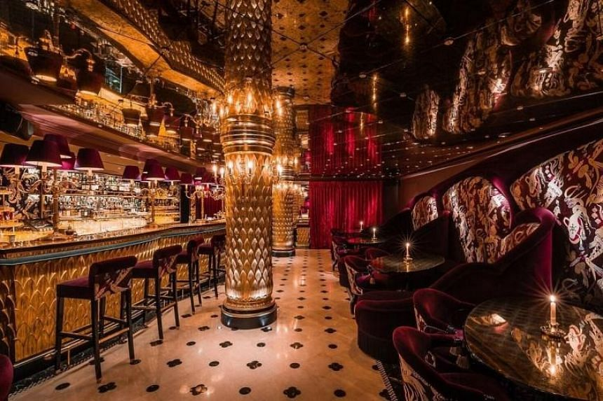 Park Chinois is a fine-dining Chinese restaurant with live entertainment in London.