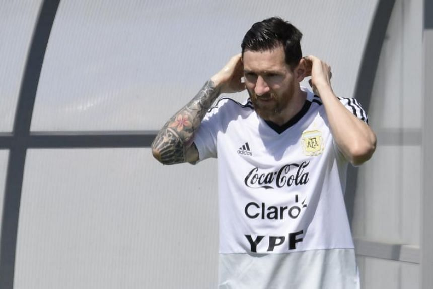While Lionel Messi can rely on a reliable Luis Suarez at Barcelona, he is a bit more on his own with Argentina, says his club team-mate Samuel Umtiti.