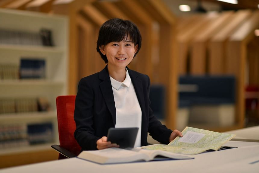 Dr Feng's strong discipline and optimism built her resilience and helped her cope with the challenges of pursuing a PhD.