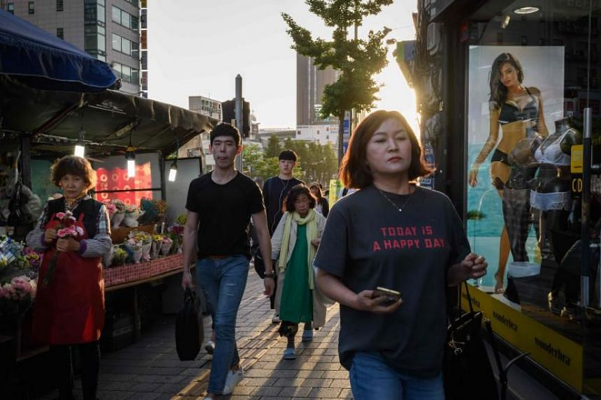 A group of South Korean women boycotted all types of spending, aiming for zero expenditure in a day, to show society that without female consumers, industries will suffer a considerable blow.