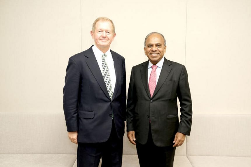 Nanyang Technological University president Subra Suresh (right) with Mr Marcus Wallenberg, vice-chairman of the Knut and Alice Wallenberg Foundation.