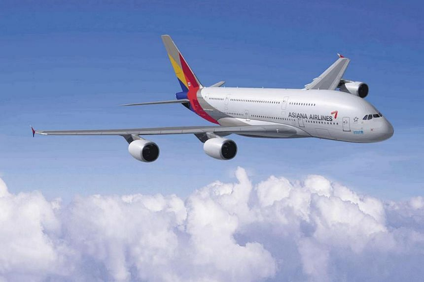 The flurry of complaints from passengers came after Asiana had decided to forgo extending the contract with its supplier of 15 years LSG Sky Chefs