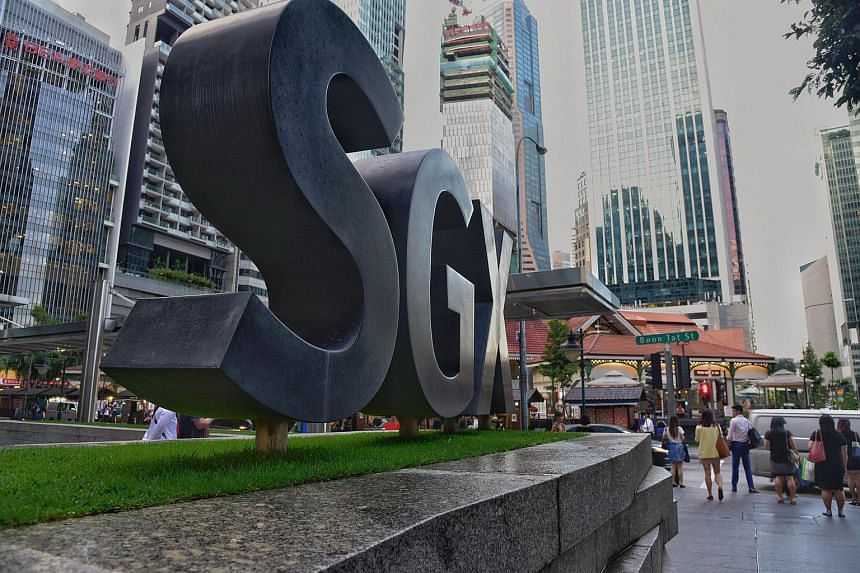 The SGX cemtre along Shenton Way.