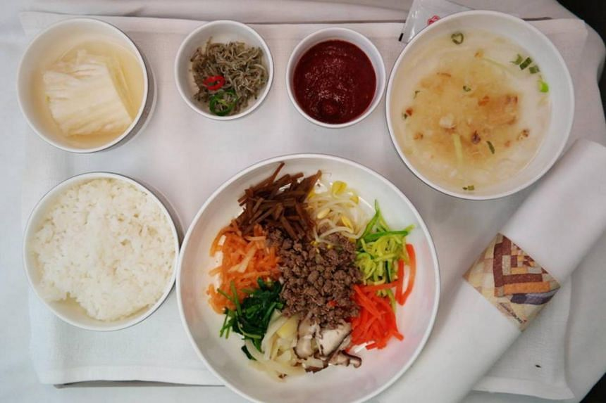 On June 30, 2018, 36 Asiana flights took off without meals out of the 80 planes scheduled for the day. On July 1, out of 75 flights, 20 were delayed and 18 took off without meals.