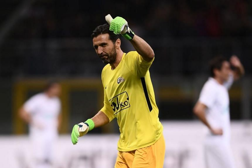 Italian goalkeeper Gianluigi Buffon is expected to sign a two-year contract with the club.
