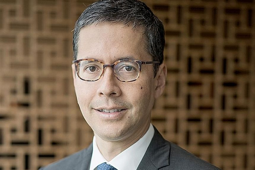Mr Patrick Lee has 25 years of experience in banking and has worked in Hong Kong, Singapore and London.