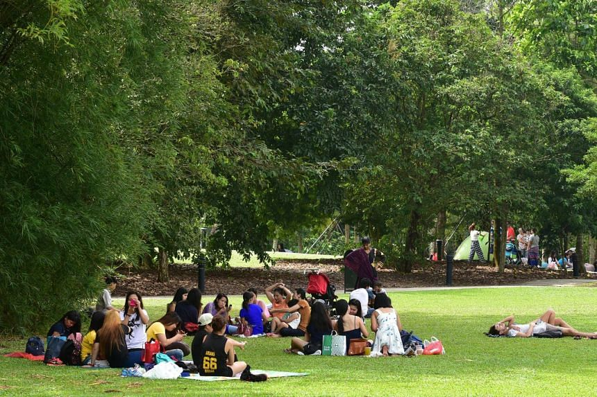 Public parks have become a one-stop entertainment venue for domestic workers, where they receive beauty treatments, dance and sing.