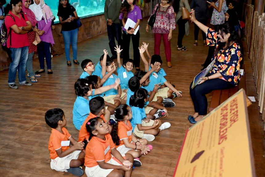 The Tamil Language Learning and Promotion Committee and Wildlife Reserves Singapore collaborated to launch the Tamil edition of the Wow Wild Learn programme on July 18, 2018.