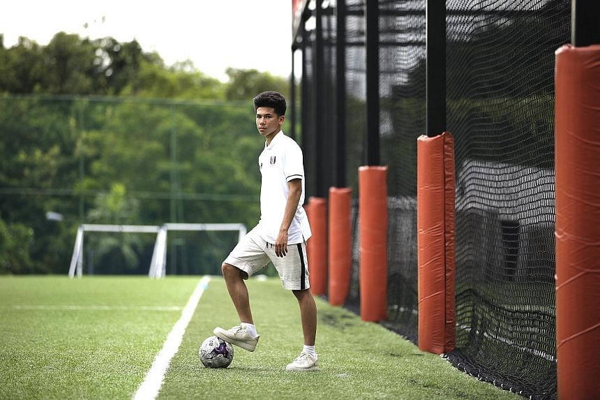 Footballer Ben Davis, 17, has inked a two-year professional contract with English Premier League Club Fulham FC.