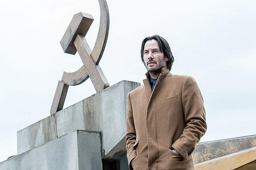 Keanu Reeves is an American diamond merchant who puts his life and business deals at risk in a foreign land.
