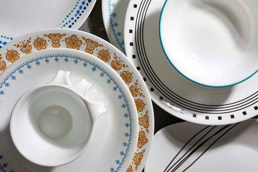 Corelle launched in 1970 with white plates and added four patterns throughout the late 1970s and early 1980s.