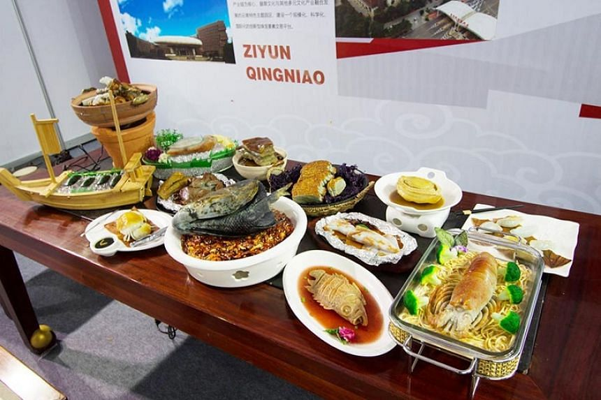 The Man Han Quan Xi display.
