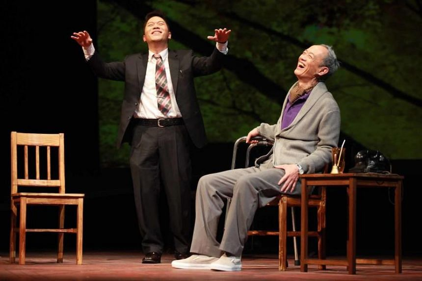 Actors Pu Hsueh-liang (left) and King Shih-chieh in the Mandarin stage version of Tuesdays With Morrie.