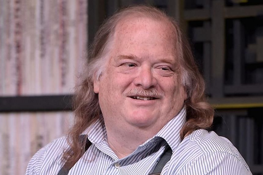 Jonathan Gold, the first restaurant critic to win the Pulitzer Prize for criticism, died in a Los Angeles hospital due to pancreatic cancer, at age 57.