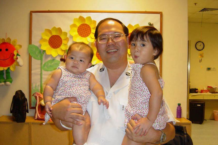 Dr Alexandre Chao with daughters Berenice and Beatrice months before he died during the 2003 Sars epidemic.