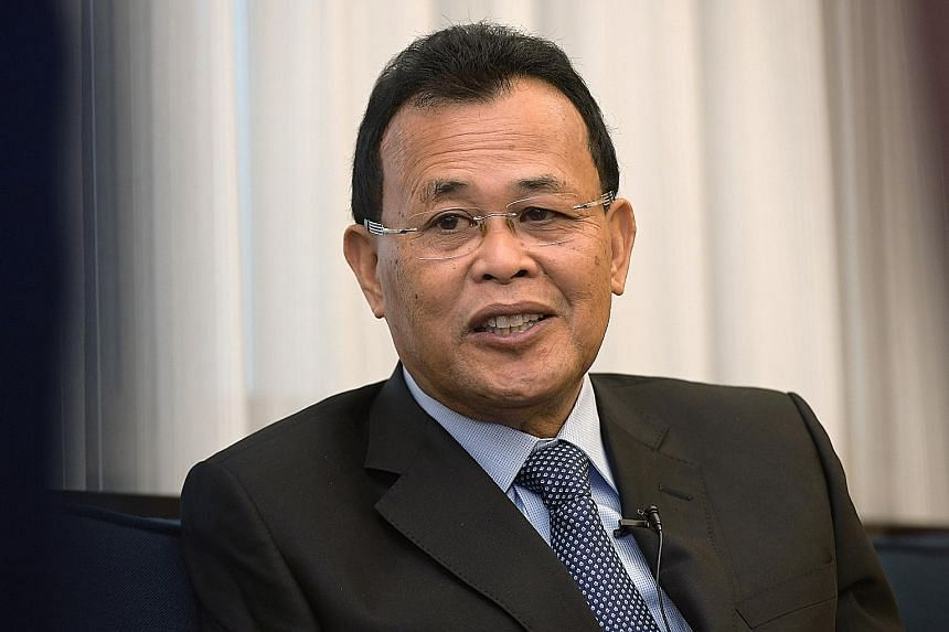Johor Menteri Besar Osman Sapian said his government will review Melaka's request for more raw water.