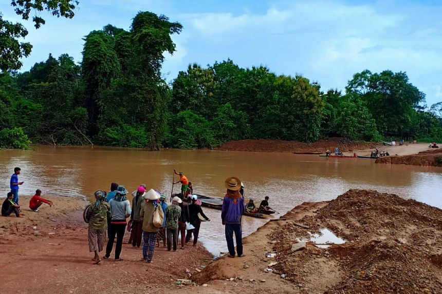 Warnings of the imminent dam failure by the Laotian officials were left unheeded, resulting in villages, farms, livestock and people being swept away by the surging flood.
