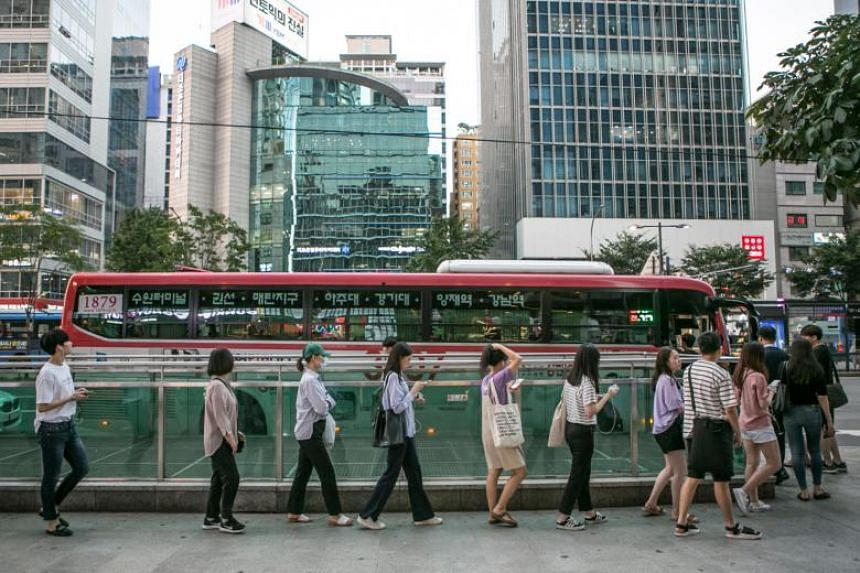 Commuters in Seoul, South Korea, on July 18, 2018. A new law in South Korea has capped the work week for most occupations at 52 hours.