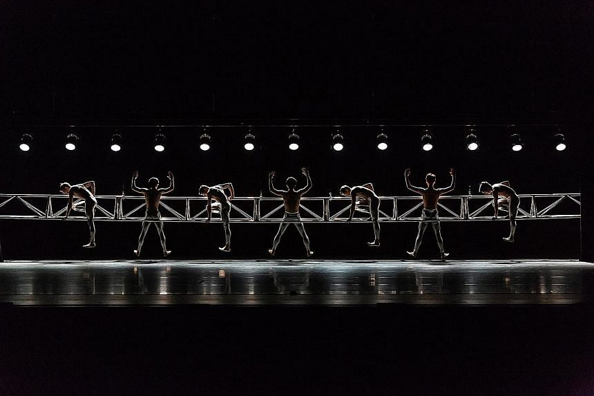 Sync by Nils Christe at the Singapore Dance Theatre's 30th Anniversary Gala.