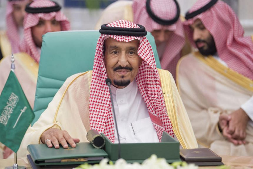 Saudi King Salman bin Abdulaziz attending a meeting in Mecca to discuss the economic crisis in Jordan on June 11, 2018.