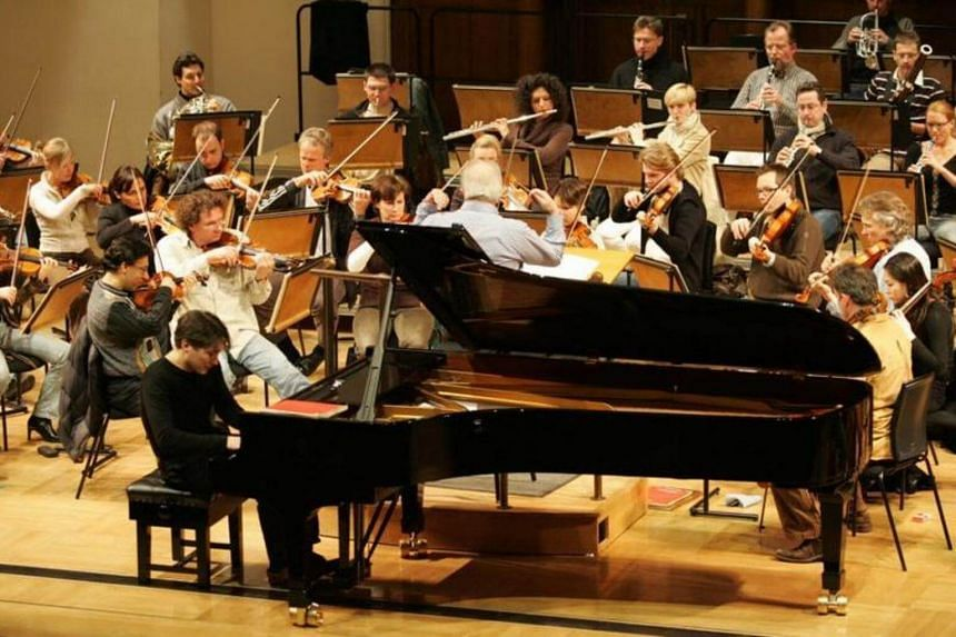 British pianist Freddy Kempf served up a coup with a recital of 24 etudes, fortunately those written by Chopin, Rachmaninov and living Ukrainian composer Nikolai Kapustin.