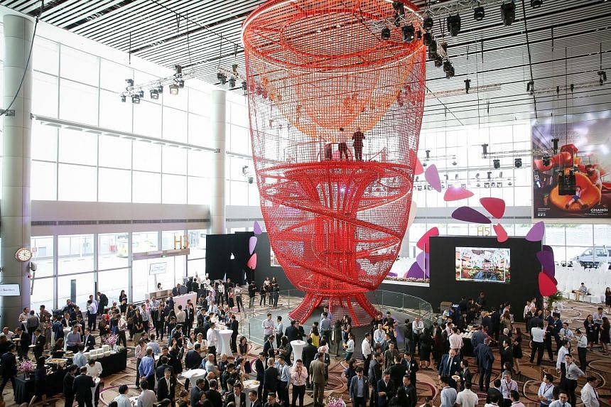 The Chandelier, which is anchored to both the ground and the ceiling, is made up of about 10km of rope and supported by about 15 tonnes of steel.