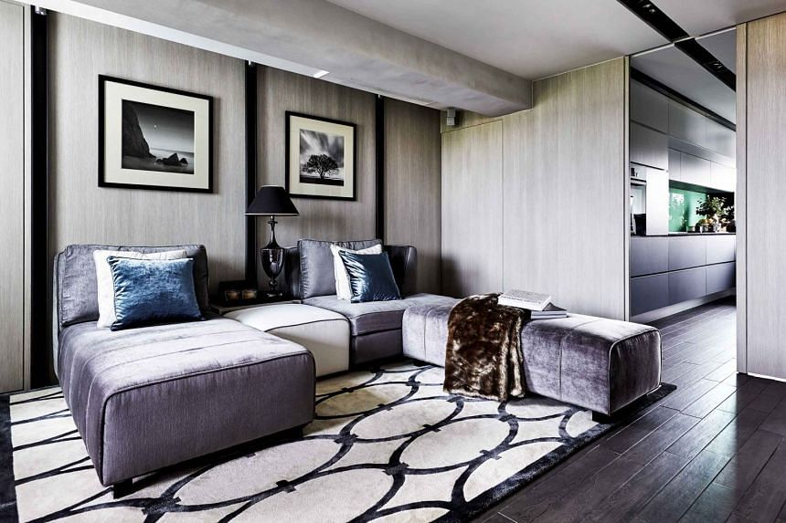 (Above) The bespoke patterned rugs and modular sofa are complemented with rich textures such as velvet for a luxurious feel.