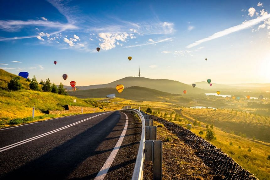 Enjoy a bird eye's view as you fly a hot air balloon in Canberra. PHOTO: VISITCANBERRA