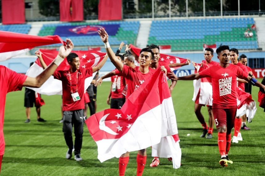 Home forward Amy Recha (middle) and teammates lapped up the support from fans after they progressed to the last eight of the AFC Cup on Aug 8, 2018.