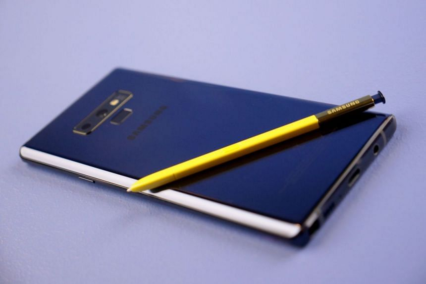 The blue model of Samsung Galaxy Note9.