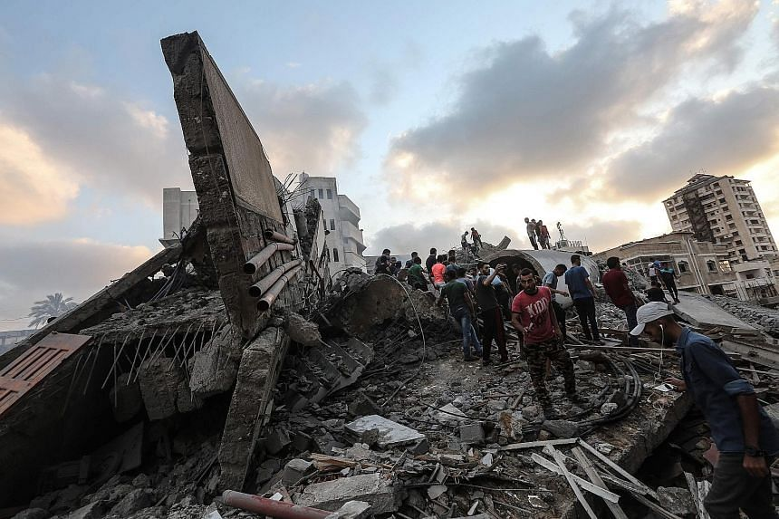 An Israeli air strike on Gaza City on Thursday hit a building that Palestinians say housed a cultural centre and other offices.