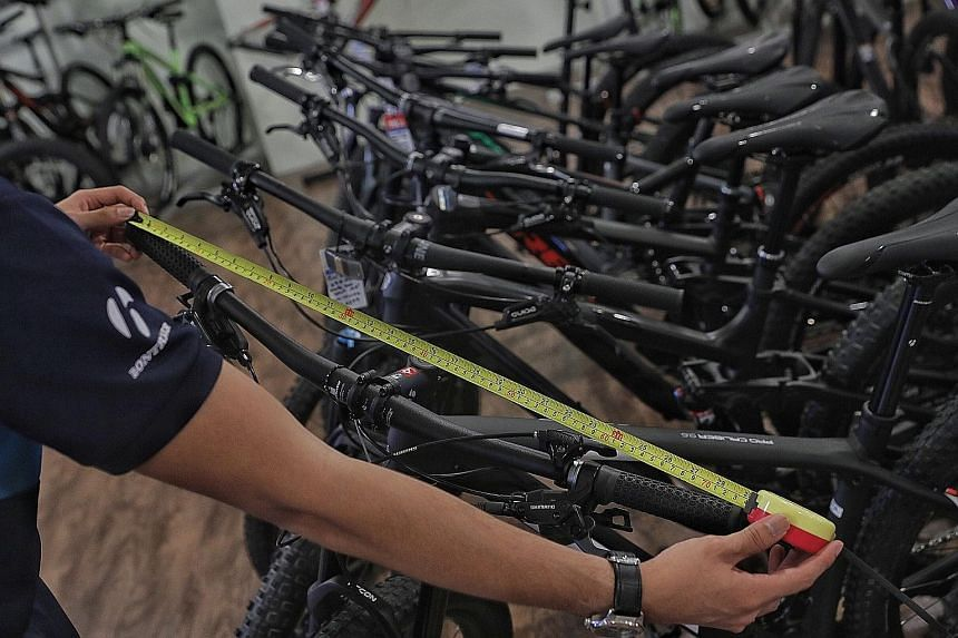 New rules restricting handlebar widths to 70cm have upset some mountain bikers, who say wider handlebars provide more stability and control when riding off road.