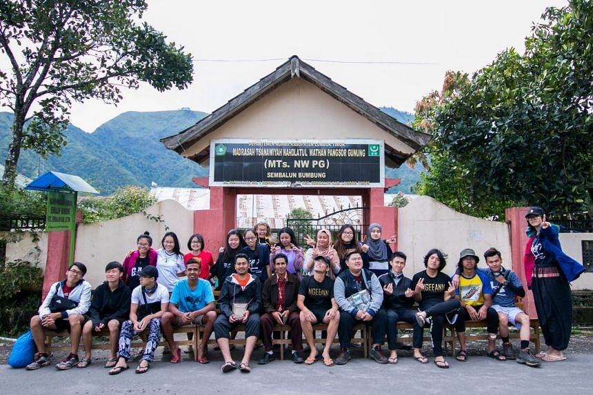Students from the Ngee Ann Polytechnic's School of Design and Environment, and the School of Humanities and Social Sciences, visited the Sembalun Bumbung village in Lombok in 2017, as part of a Youth Expedition Project. The students worked with local