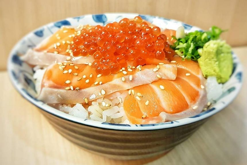 A bowl of Japanese rice topped with salmon and salmon roe is given a bombastic description by sushi restaurant Sushiro on its Facebook page.