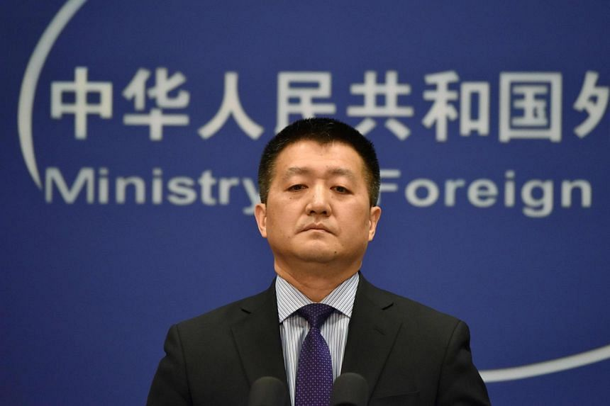 Spokesman for China's Foreign Ministry Mr Lu Kang has called on the US to abandon its Cold War thinking and uphold the one-China policy and joint communiques made by both countries.
