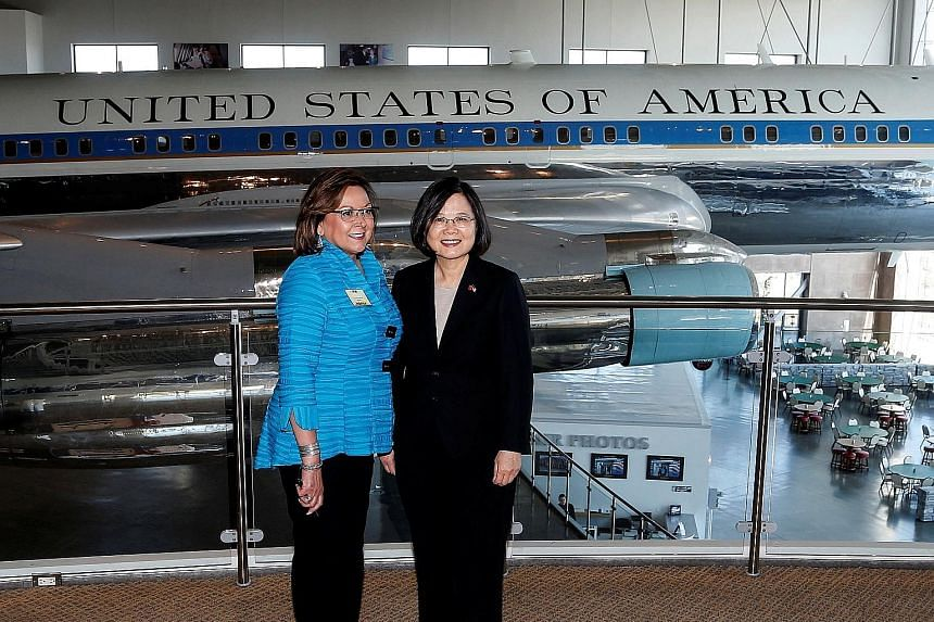 Taiwanese President Tsai Ing-wen and Governor of New Mexico Susana Martinez posing in front of Air Force One at the Ronald Reagan Presidential Library on Monday.